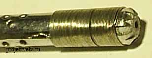 Увеличенный вид крепления нагревателя в корпусе