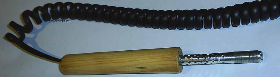 Корпус соединён с ручкой - паяльник почти готов